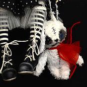 Куклы и игрушки ручной работы. Ярмарка Мастеров - ручная работа РЕЗЕРВ в черной-черной комнате.... Handmade.