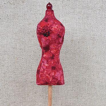 Для дома и интерьера ручной работы. Ярмарка Мастеров - ручная работа Мини-манекен игольница. Handmade.