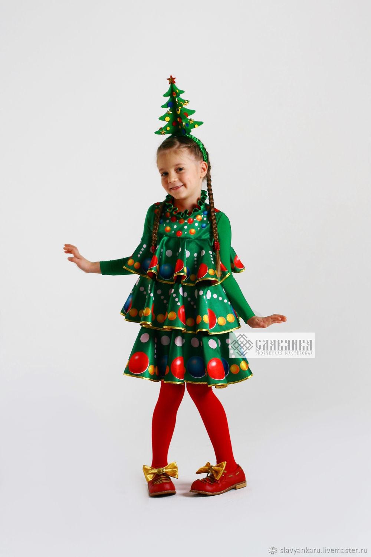 большинстве случаев новогодний костюм елочка в картинках находится центре города