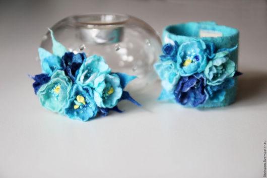 Шерстяной нежно-голубой браслет ручной работы. Ярмарка мастеров - ручная работа. Handmade. Белый, голубой, бирюзовый, небесный, синий, мятный войлочный браслет, купить.