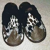 Обувь ручной работы handmade. Livemaster - original item Slippers made of natural fur and leather. Unisex. Handmade.