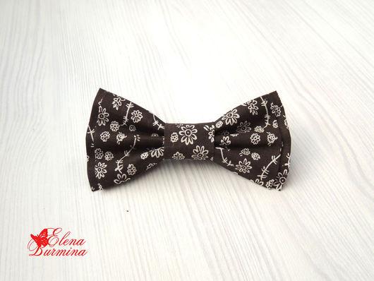 Галстуки, бабочки ручной работы. Ярмарка Мастеров - ручная работа. Купить Бабочка галстук коричневая в цветочек, хлопок. Handmade. Коричневый