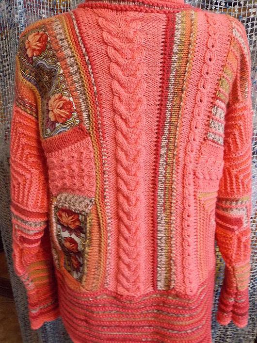Кофты и свитера женские вязаные