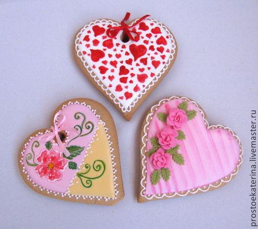 Ароматные пряничные сердечки ручной работы - оригинальный подарок близкому человеку!