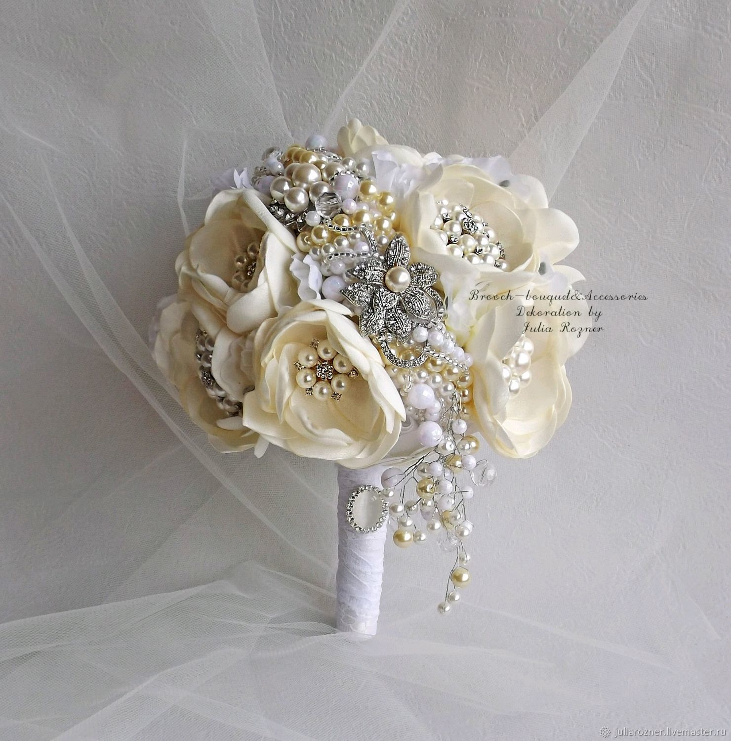 White wedding brooch bouquet ivory bouquet of brooches the bride wedding flowers handmade livemaster handmade buy white wedding brooch bouquet ivory bouquet izmirmasajfo
