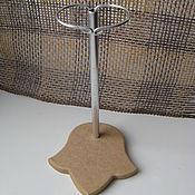Кукольные домики ручной работы. Ярмарка Мастеров - ручная работа Подставка для кукол с держателем №22. Handmade.