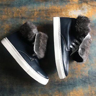 Обувь ручной работы. Ярмарка Мастеров - ручная работа Кеды «Sneakers» синяя фактурная кожа декор кролик белая подошва. Handmade.