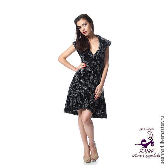 Платья ручной работы. Ярмарка Мастеров - ручная работа. Купить Эффектное платье из черного вельвета с белой вышивкой Бархатистость. Handmade.