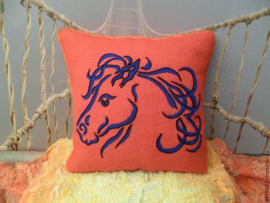 Текстиль, ковры ручной работы. Ярмарка Мастеров - ручная работа. Купить Валяная подушка Синяя Лошадь. Handmade. Игрушки подушки