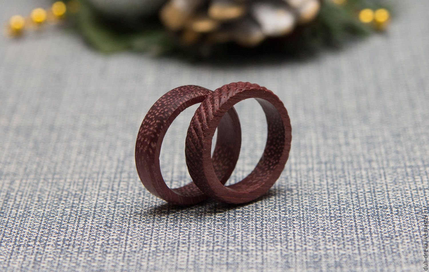 Set of two wooden rings