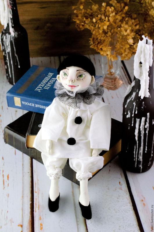 Коллекционные куклы ручной работы. Ярмарка Мастеров - ручная работа. Купить Пьероша. Handmade. Белый, кукла текстильная