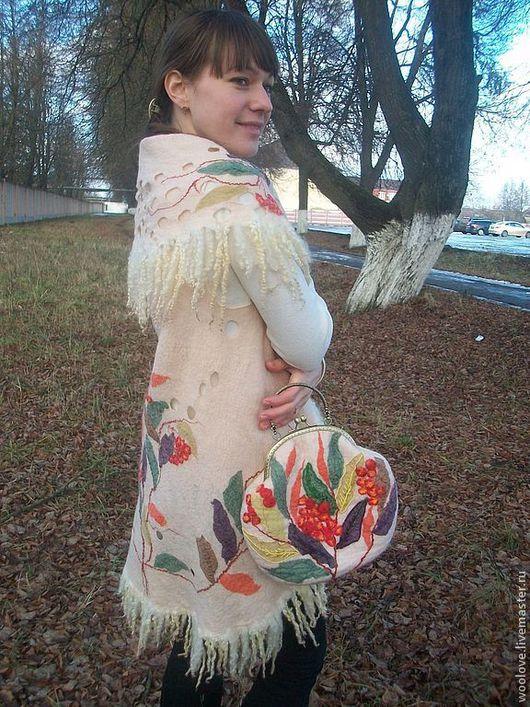 """Жилеты ручной работы. Ярмарка Мастеров - ручная работа. Купить жилет """" Рябиновый"""". Handmade. Белый, красивый подарок"""