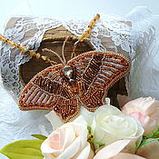 """Золотистые крылья"" кулон с бабочкой"