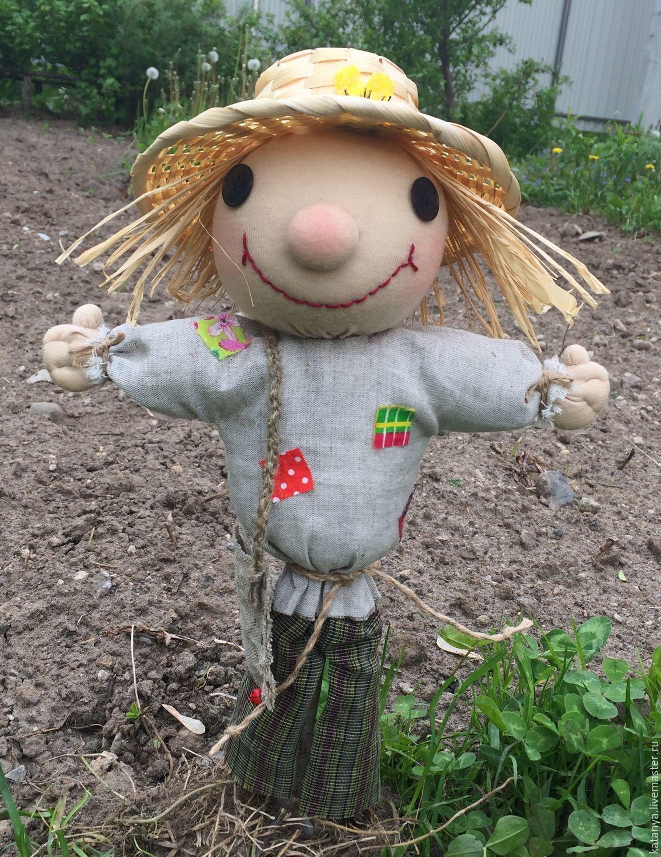 Огородное пугало: идеи создания чучел для сада
