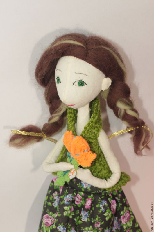 Весенняя кукла