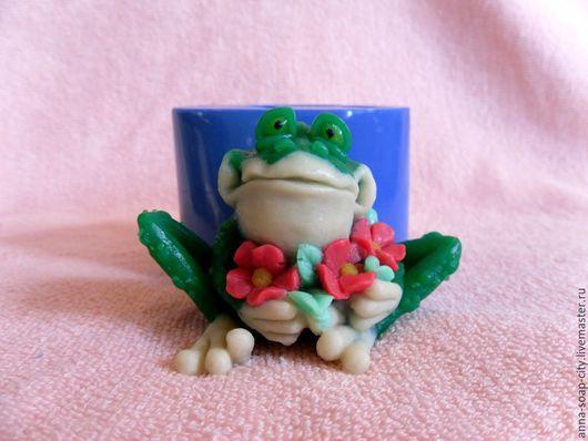 """Другие виды рукоделия ручной работы. Ярмарка Мастеров - ручная работа. Купить Силиконовая форма для мыла """"Лягушка с цветами"""". Handmade."""