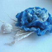 """Украшения ручной работы. Ярмарка Мастеров - ручная работа Брошь """"Нежное прикосновение"""" в голубом. Handmade."""