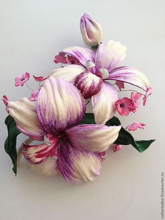 """Орхидея """"Дендробиум""""-натуральная итальянская кожа."""