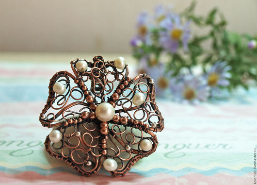 Кулоны, подвески ручной работы. Ярмарка Мастеров - ручная работа. Купить Кулон Цветок Амура - медь, натуральный жемчуг. Handmade.