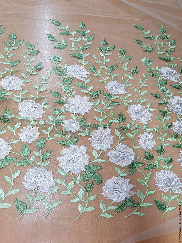 Вышивка цветов на ткани 114
