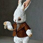 """Куклы и игрушки ручной работы. Ярмарка Мастеров - ручная работа Кролик-тедди """"Я так опаздываю...!"""". Handmade."""