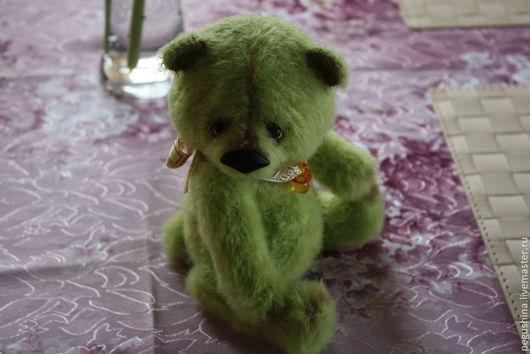 """Мишки Тедди ручной работы. Ярмарка Мастеров - ручная работа. Купить Вязаный медвежонок """"Apple"""". Handmade. Зеленый, авторская игрушка"""