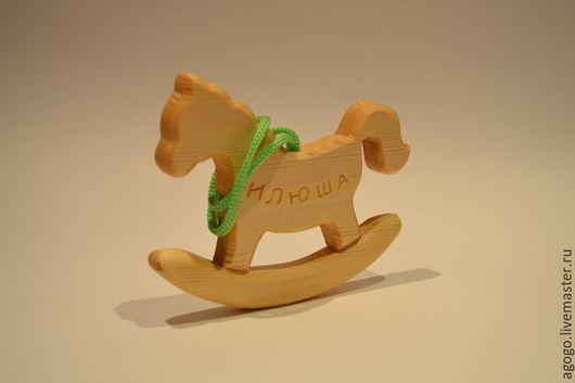 Агого Деревянные игрушки ручной работы Подвеска `Лошадка`