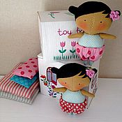 Куклы и игрушки ручной работы. Ярмарка Мастеров - ручная работа Малышка Тильда в домике коробочке новая коллекция Tilda`s Toy Box. Handmade.