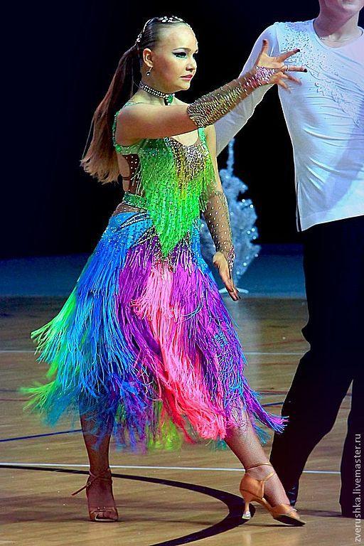 Бахрома из стекляруса на платье