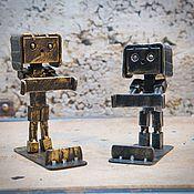 Подарки к праздникам ручной работы. Ярмарка Мастеров - ручная работа Подставка для телефона из металла. Handmade.