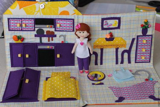 Кукольный дом ручной работы. Ярмарка Мастеров - ручная работа. Купить Сумка - домик с куклой из фетра. Handmade. Комбинированный, сумка