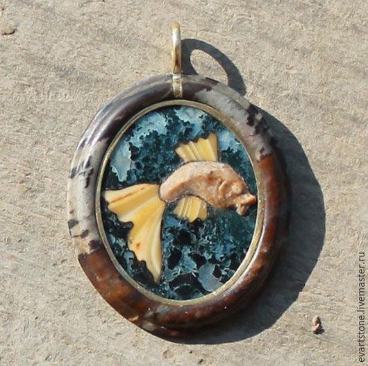 Кулоны, подвески ручной работы. Ярмарка Мастеров - ручная работа. Купить Золотая рыбка. Handmade. Комбинированный, подарок для иностранца