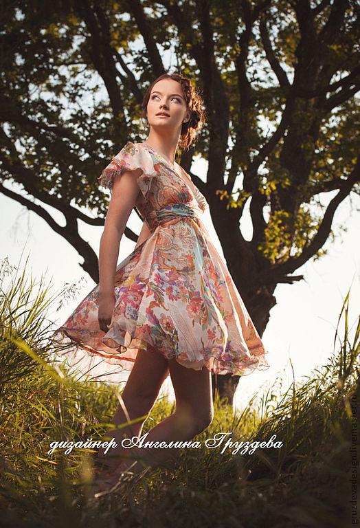 """Платья ручной работы. Ярмарка Мастеров - ручная работа. Купить """"Алиса в стране чудес"""", женское платье из натурального шелка. Handmade."""