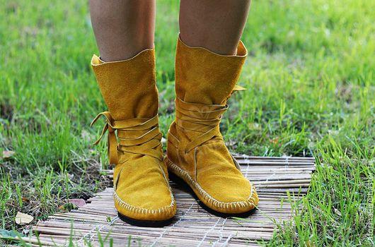 Обувь ручной работы. Ярмарка Мастеров - ручная работа. Купить Сапоги-мокасины из натуральной замши  Горчица. Handmade. Сапоги