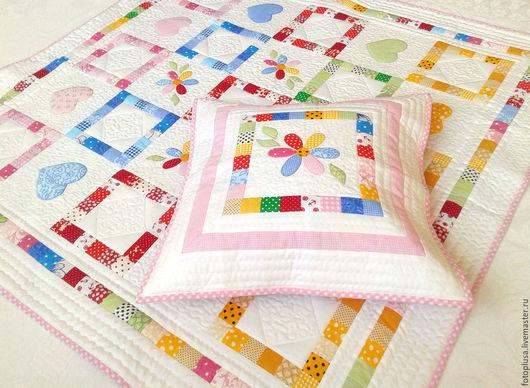 Пледы и одеяла ручной работы. Ярмарка Мастеров - ручная работа. Купить Лоскутное детское одеяло Цветик- семицветик. Handmade. подарок
