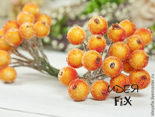 Размер ягоды 12 мм,  длина проволочки для крепления 12 см.  Цена указана за пучок из 40 ягодок.