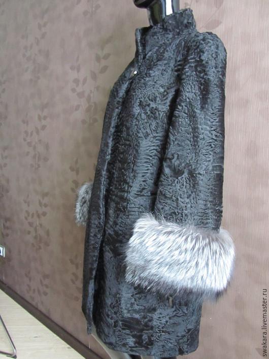 Верхняя одежда ручной работы. Ярмарка Мастеров - ручная работа. Купить Шубка из каракуля СВАКАРА в стиле ШАНЕЛь с лисой II. Handmade.