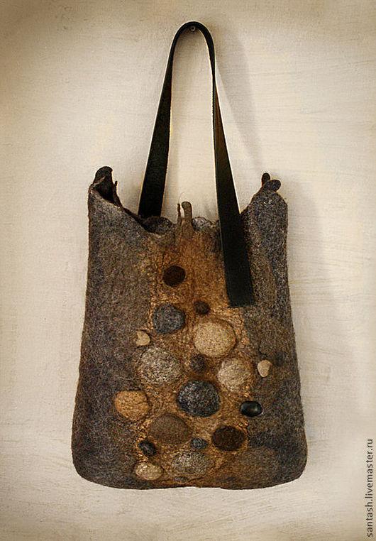 """Женские сумки ручной работы. Ярмарка Мастеров - ручная работа. Купить сумка """"Камни"""". Handmade. Серый, войлок, шёлк"""