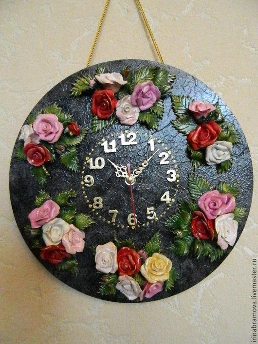 """Часы для дома ручной работы. Ярмарка Мастеров - ручная работа. Купить Часы с объемным декором из соленого теста """"Розы"""". Handmade."""