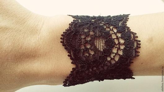 """Браслеты ручной работы. Ярмарка Мастеров - ручная работа. Купить Кружевной браслет """"Готика"""" черный. Handmade. Черный, кружевной браслет"""