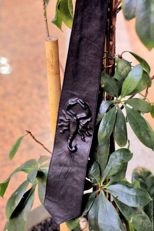 """Галстуки, бабочки ручной работы. Ярмарка Мастеров - ручная работа. Купить 3D Галстук """"Скорпион"""" из натуральной кожи чёрного цвета. Handmade."""