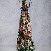 Елки ручной работы. Ярмарка Мастеров - ручная работа Новогодняя елка с синим шаром. Handmade.