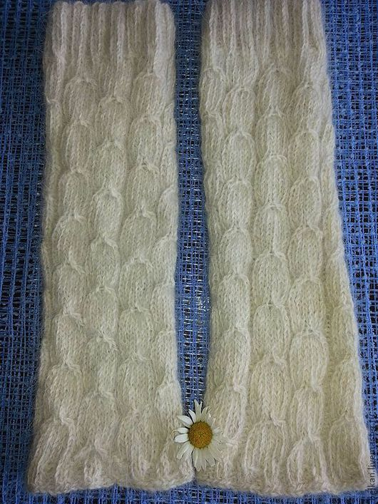 Носки, Чулки ручной работы. Ярмарка Мастеров - ручная работа. Купить Гетры из собачьей шерсти. Handmade. Белый, шерсть, на спицах