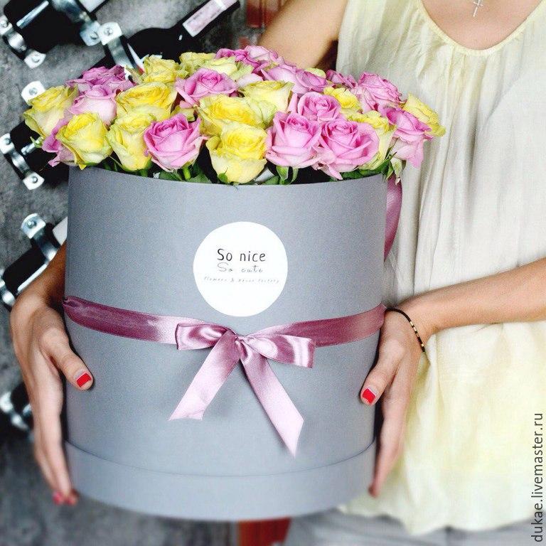 цветы в круглой коробке фото