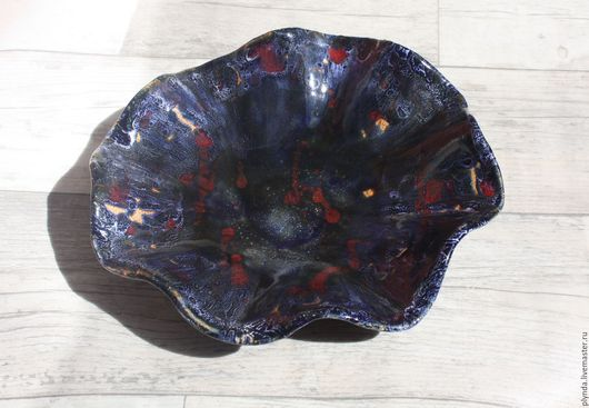 Тарелки ручной работы. Ярмарка Мастеров - ручная работа. Купить Керамическое блюдо синее с красным ручной работы. Handmade.