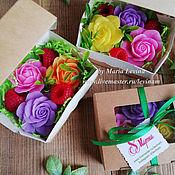 Подарки на 8 марта ручной работы. Ярмарка Мастеров - ручная работа Подарочный набор мыла розы и малина мини, подарок 8 марта купить Москв. Handmade.