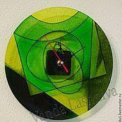 """Для дома и интерьера ручной работы. Ярмарка Мастеров - ручная работа Стеклянные часы`Зеленая абстракция"""". Handmade."""