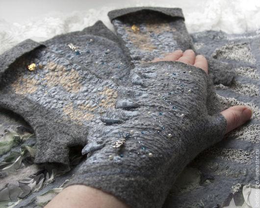 Варежки, митенки, перчатки ручной работы. Ярмарка Мастеров - ручная работа. Купить Валяные митенки серые с кружевом (2 вида). Handmade.