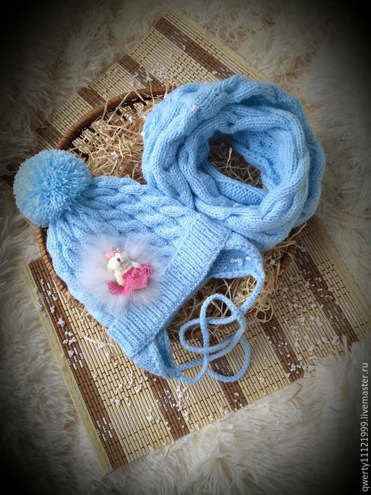 """Шапки и шарфы ручной работы. Ярмарка Мастеров - ручная работа. Купить Комплект """"Иней"""" шапка, снуд. Handmade. Голубой"""