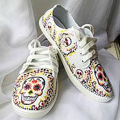 """Обувь ручной работы. Ярмарка Мастеров - ручная работа Кеды с росписью """"Веселые черепа"""", кеды с рисунком, роспись кед. Handmade."""